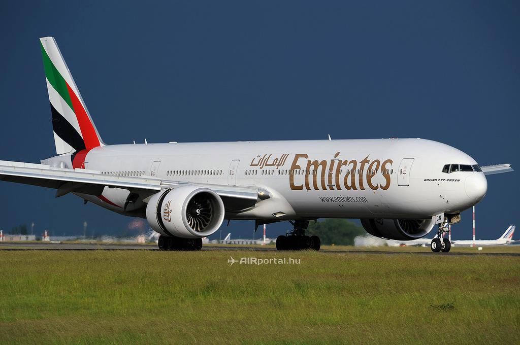 Emirates Boeing 777-300ER. A konkurens légitársaságok mind kisebb típussal üzemeltetik az útvonalat. (Fotó: AIRportal.hu)   © AIRportal.hu