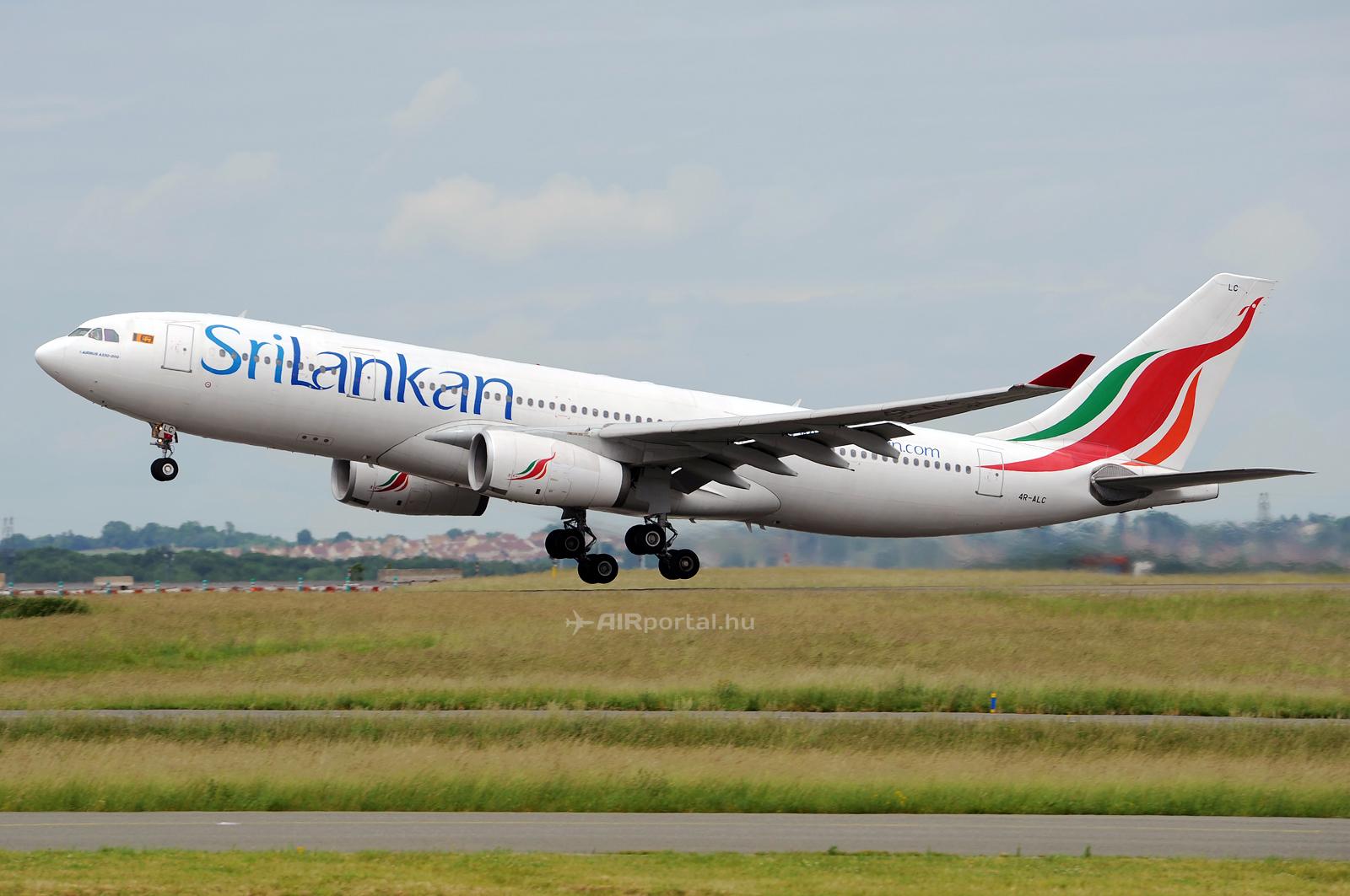 A Sri Lankan több európai nagyvárosba üzemeltet járatokat. Képünkön a társaság egyik Airbus A330-as repülőgép száll fel a párizsi Charles De Gaulle repülőtérről. (Fotó: Kovács Gábor - AIRportal.hu)   © AIRportal.hu