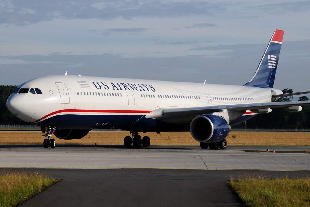 A US Airways egyik Airbus A330 típusú gépe, hamarosan három ilyen szélestörzsű gyarapitja az American Airlines gépparkját. (Fotó: Bodorics Tamás - AIRportal.hu) | © AIRportal.hu