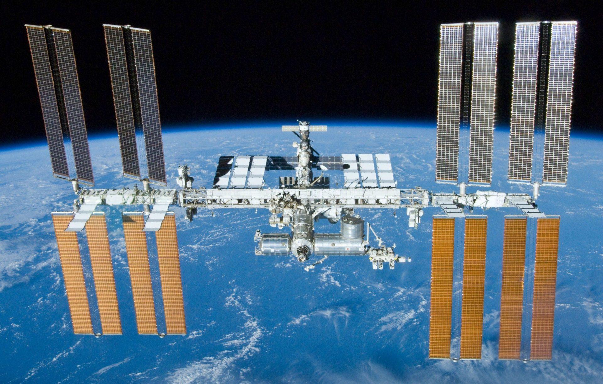 Az ISS az Atlantis fedélzetéről (Forrás: NASA) | © AIRportal.hu