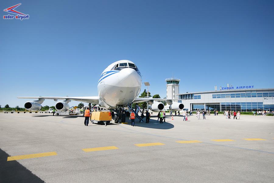 Az Aeroflot Iljusin Il-86 típusú repülőgépe Zadar repülőterén. A légikikötő forgalmi adatai 40%-os csökkenést produkáltak az év első három hónapjában. (Fotó: Zadar Airport) | © AIRportal.hu
