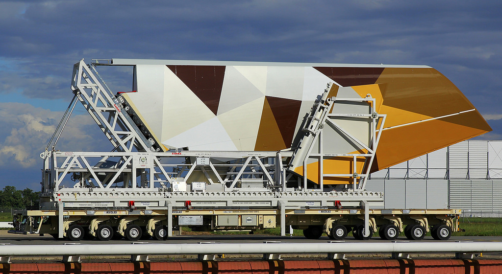 A megújult festést viselő vezérsík. (Forrás: A380_TLS_A350 Flickr csatornája)   © AIRportal.hu