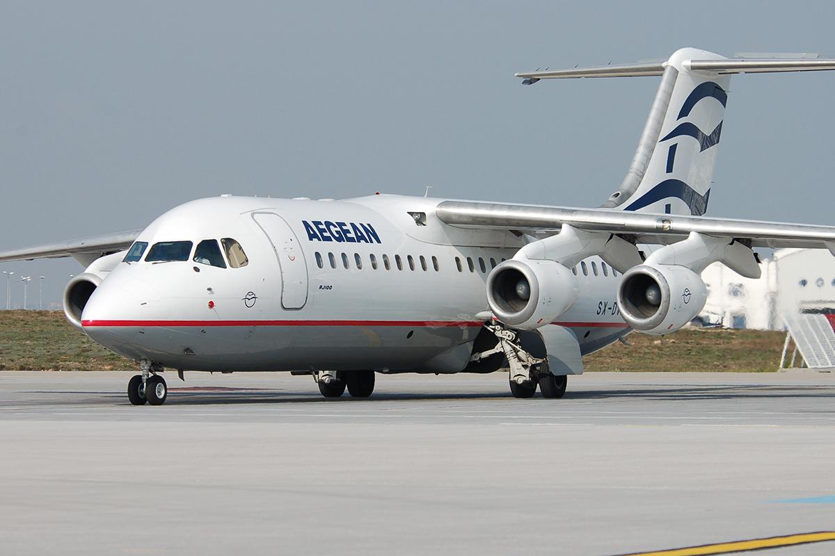 Az Aegean Airlines első géptípusa, az Avro RJ100-as regionális repülőgép. (Forrás: Aegean Airlines)   © AIRportal.hu