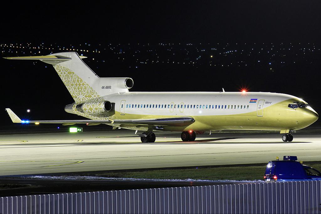 A 4K-8888 lajstromjelű Boeing 727-es már Budapesten is megfordult 2011 decemberében. (Fotó: Rimóczi Roland - AIRportal.hu)   © AIRportal.hu