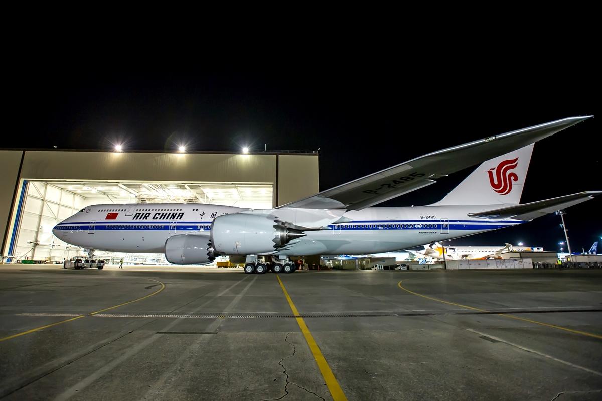 Jól áll az Air China festés a gépnek. (Fotó: Boeing Company)   © AIRportal.hu