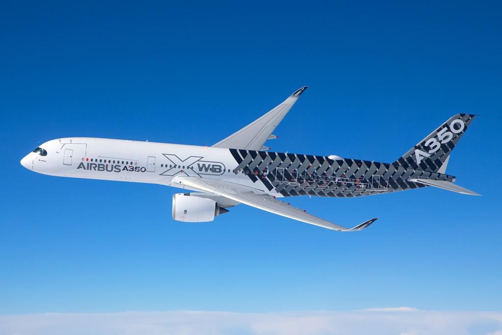 A leendő legnagyobb Dreamliner konkurens viszonylatban az A350-900XWB-hez áll legközelebb, az 315 utast vehet fedélzetére, és már 539 darabot értékesítettek belőle. Az európai repülőgépgyár az idei év végén készül forgalomba bocsátani a típust. (Fotó: Airbus) | © AIRportal.hu