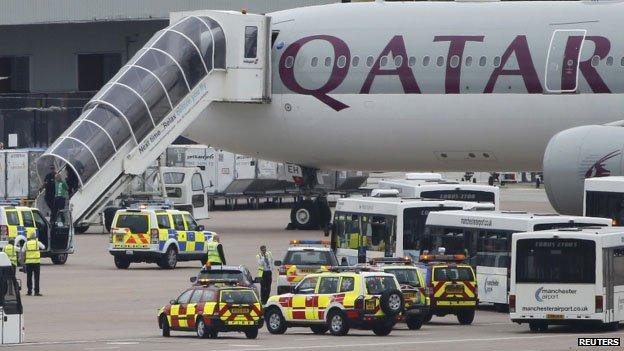 Az A7-AEH lajstromjelű Airbus repülőgép a landolás után. (Fotó: Reuters) | © AIRportal.hu