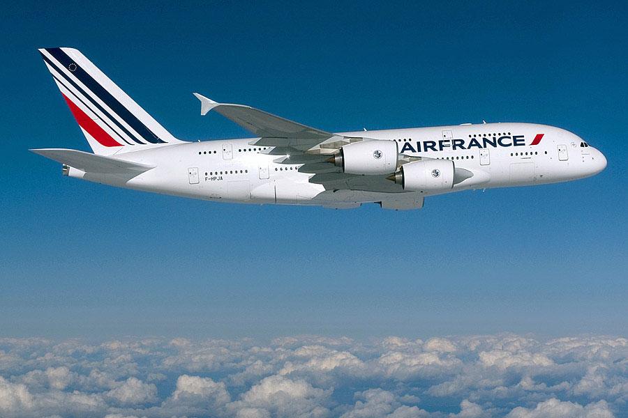 A francia légitársaság egyik Airbus A380-800 típusa repülés közben. (Forrás: Air France)   © AIRportal.hu