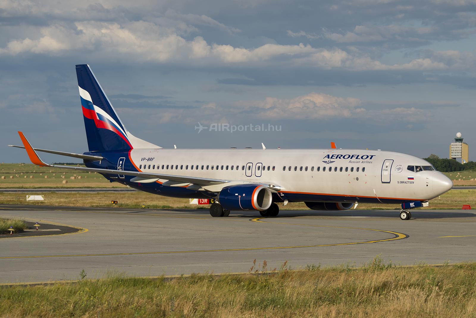 Az Aeroflot Boeing 737-800-as repülőgépe a Liszt Ferenc repülőtéren. A Dobroljot low-cost leányvállalat is ezzel a típussal üzemelt egészen hétfőig. (Fotó: AIRportal.hu) | © AIRportal.hu