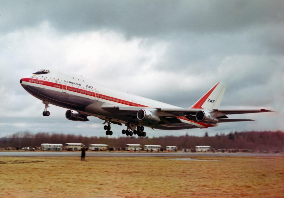 Jelentős pillanat: az első felszállás 1969. február 9-én. (Fotó: Boeing Company)   © AIRportal.hu