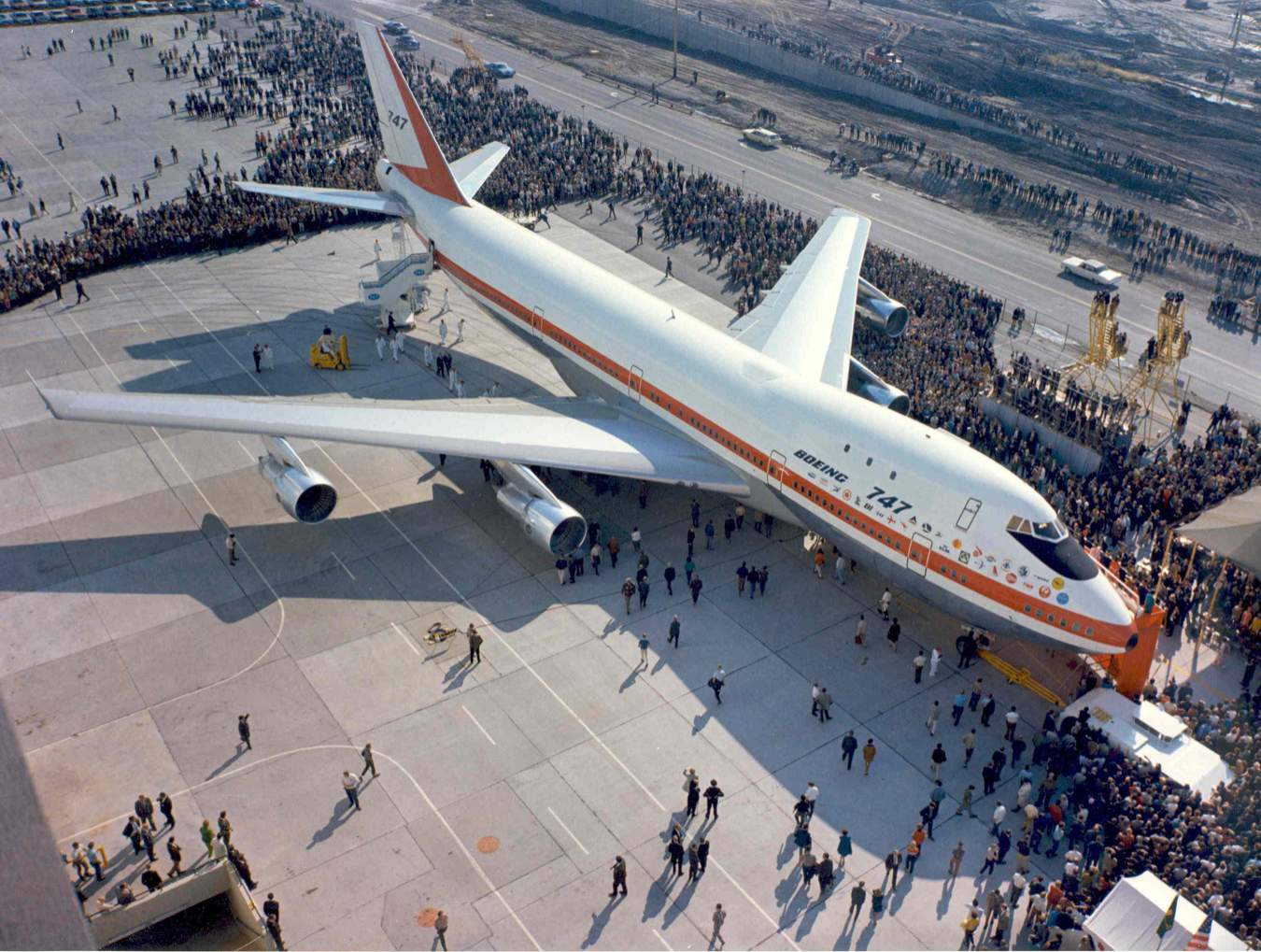 A bemutatkozás, a kigördülés napja, 1968. szeptember 30-án. (Fotó: Boeing Company)   © AIRportal.hu