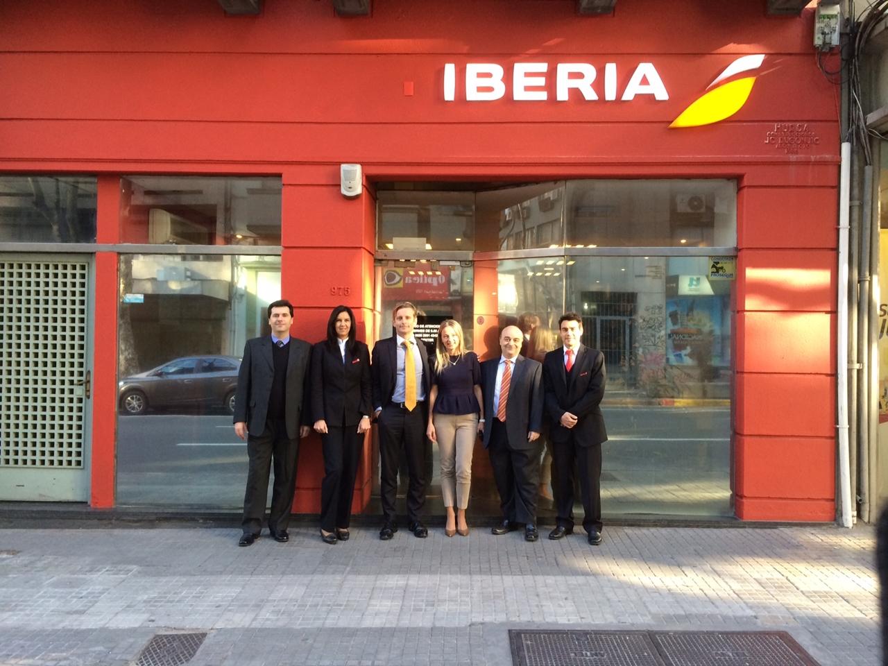 Az új montevideói iroda avatója napján, augusztus 12-én. (Fotó: Iberia)   © AIRportal.hu