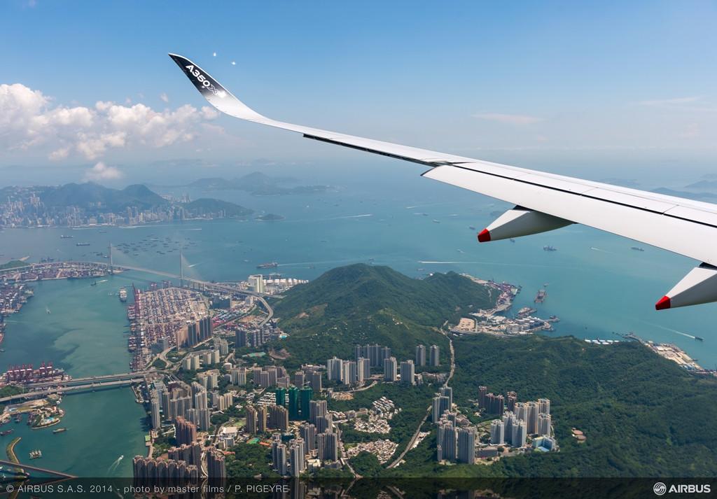 Repülés Hong Kong felett. (Fotó: Airbus) | © AIRportal.hu