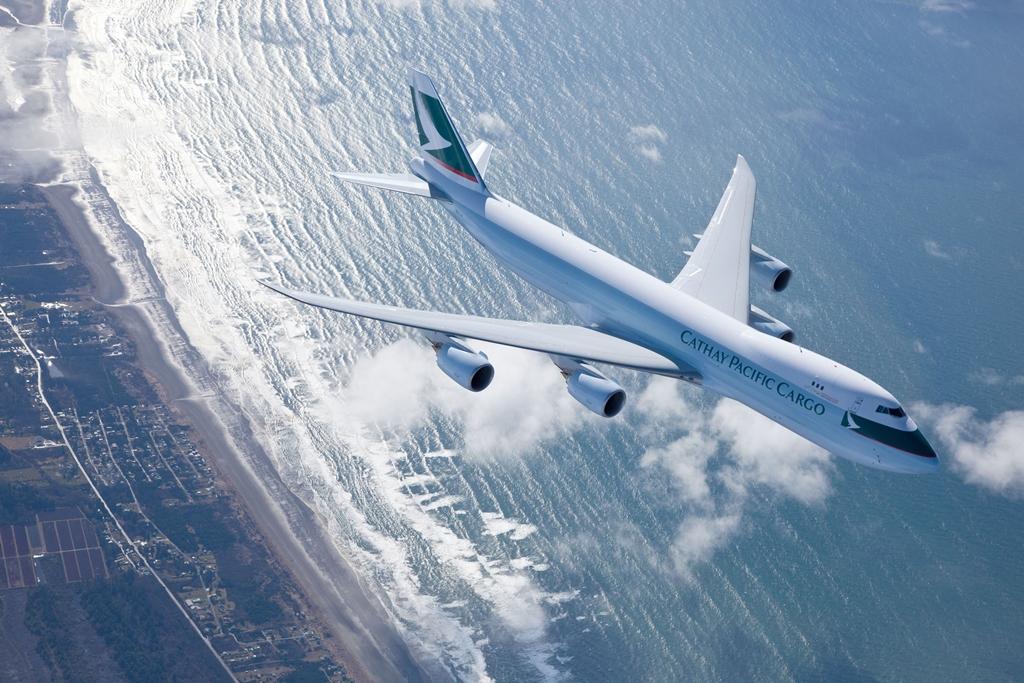 A legújabb generációs Jumbóból csak a teherszállító változatot kívánja üzemeltetni a Cathay. (Fotó: Cathay Pacific) | © AIRportal.hu