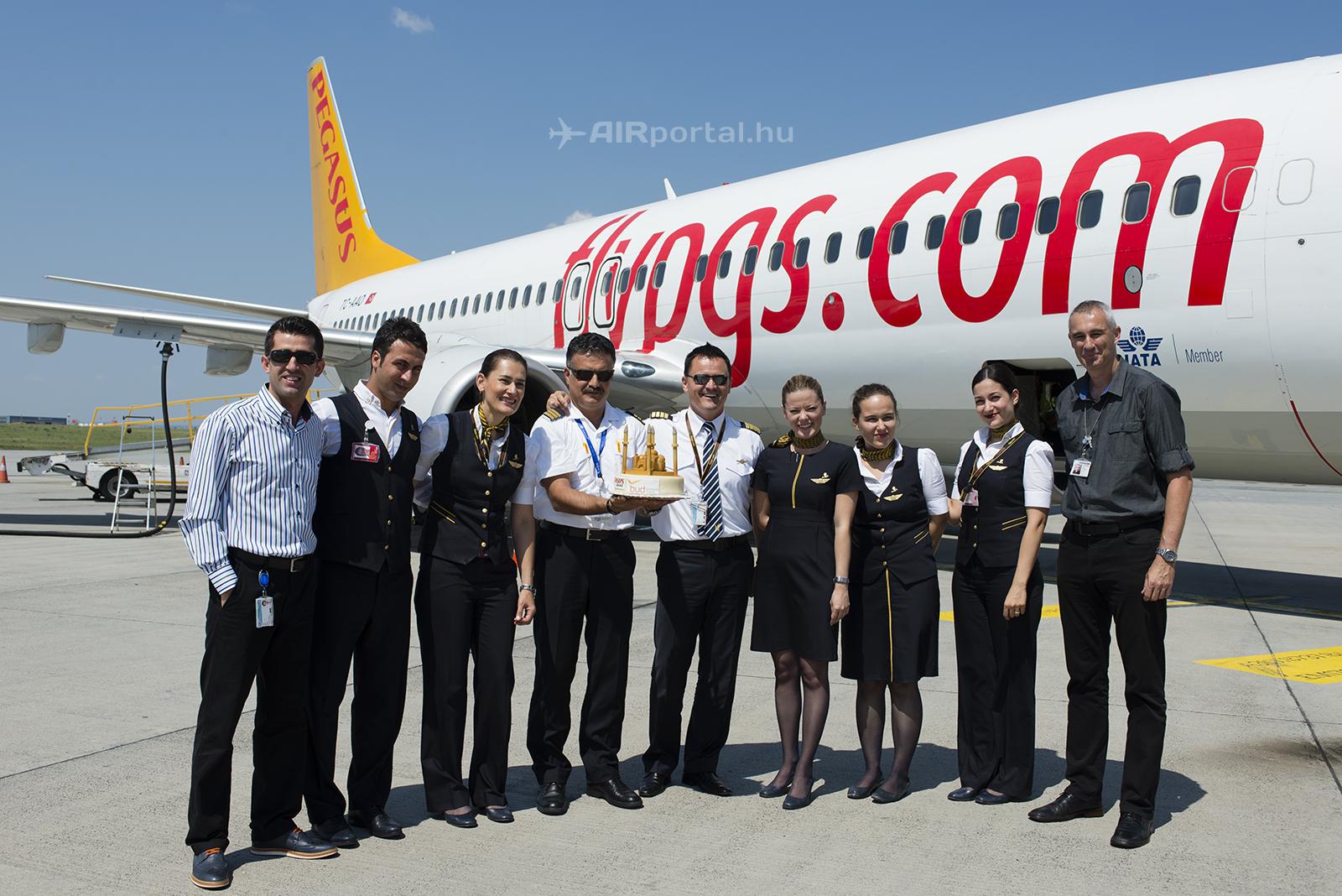 Sebestyén Tamás Ferihegyen a Pegasus Airlines első Isztambul-Budapest-Isztambul járatának ünnepélyes fogadásakor. (Fotó: AIRportal.hu)   © AIRportal.hu