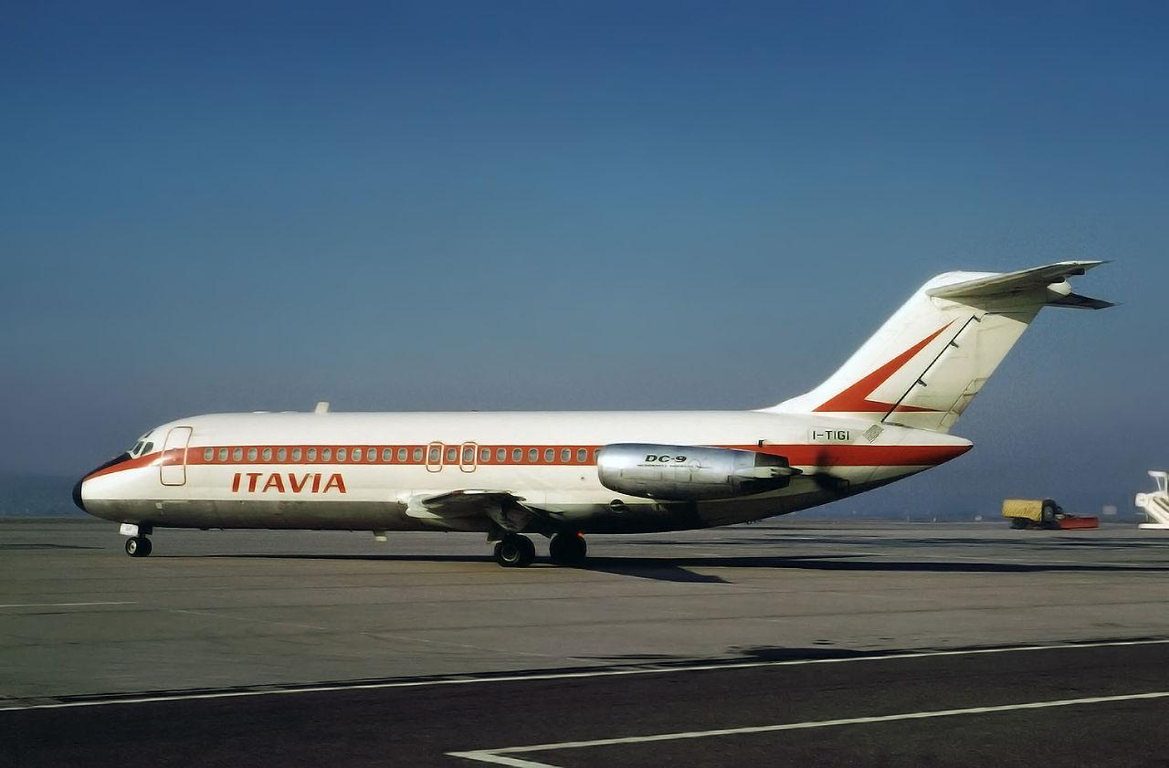 A szerencsétlenségben érintett I-TIGI lajstromú DC-9-es egy 1972-ben készült képen. (Fotó: Werner Fishdick - Wikimedia) | © AIRportal.hu