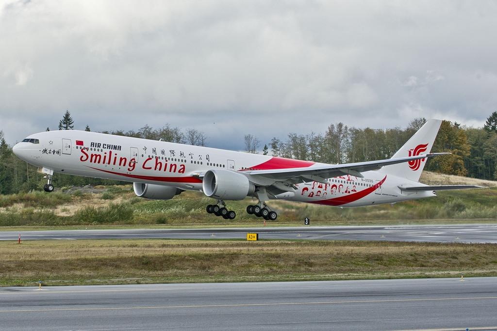 Ugyanakkor jól fogyhatnak majd a nagyobb két-folyosós gépek is, mint amilyen a Boeing 777-es. (Fotó: Boeing Company)   © AIRportal.hu