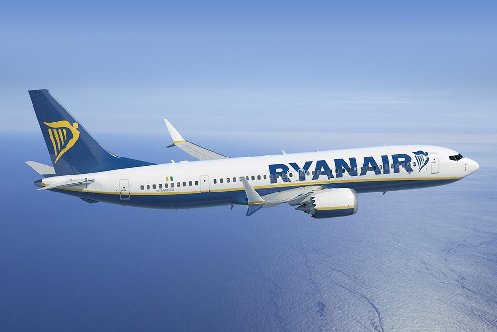 A kifejezetten a low-cost légitársaságok igényei szerinti Boeing 737 MAX 200 látványterve Ryanair festésben. (Forrás: Boeing Company) | © AIRportal.hu