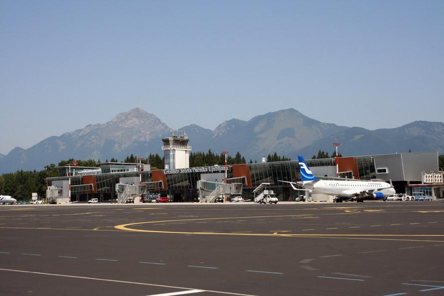 A Ljubljana repülőtér előtere és terminálja. (Fotó: Aerodrom Ljubljana d.d) | © AIRportal.hu