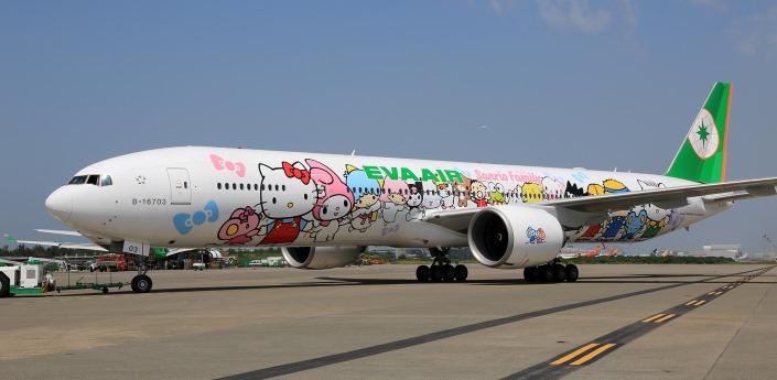 A Hello Kitty-s festésű Boeing 777-es. (Fotó: Eva Air) | © AIRportal.hu