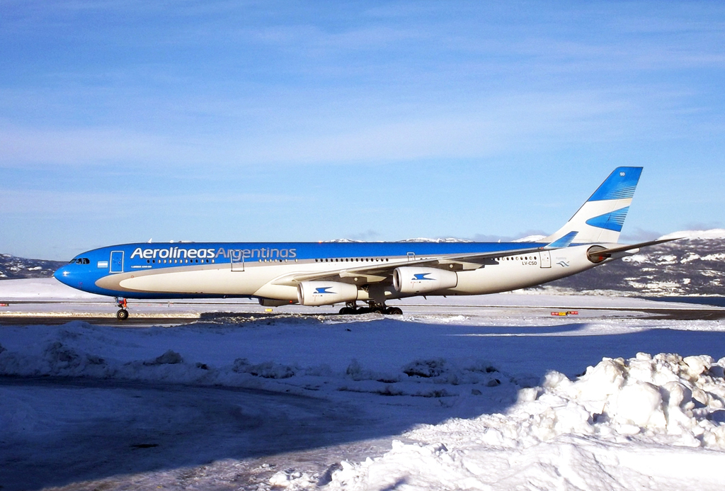 A hosszabb törzsű A340-300-asok még maradnak egy ideig, de várhatóan ezt a típust is két-hajtóművesre cserélik majd. (Fotó: Matias18 - Wikimedia) | © AIRportal.hu