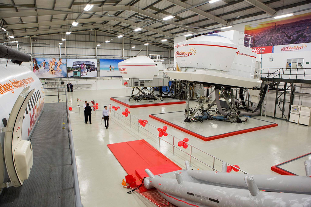 Az új központ, amelyben szinte még a festék sem száradt meg. (Fotó: Jet2.com)   © AIRportal.hu