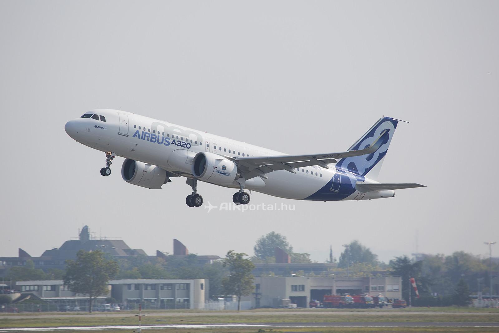 Exkluzív fotóink a helyszínről: levegőben az A320neo. (Fotó: Samu Ádám - AIRportal.hu) | © AIRportal.hu