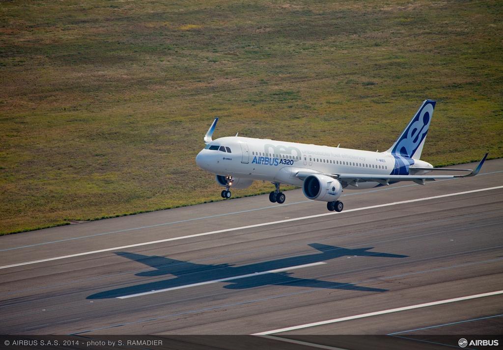 A felszállás a kísérőhelikopterből fotózva. (Fotó: Airbus) | © AIRportal.hu