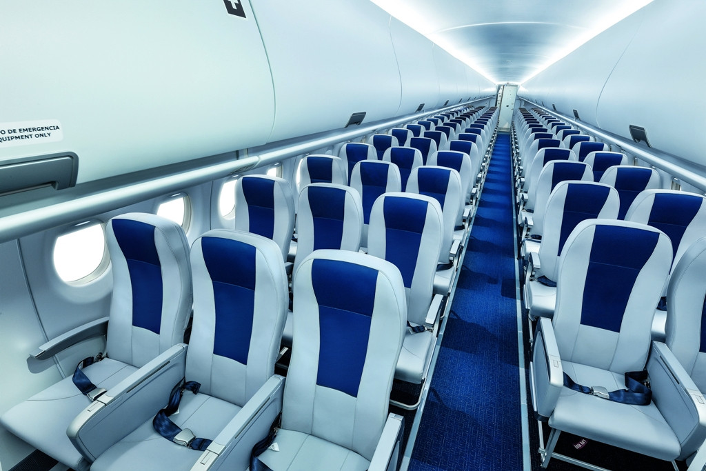 Ilyen az Interjet SSJ-100-asainak utaskabinja. (Fotó: SuperJet Inernational) | © AIRportal.hu