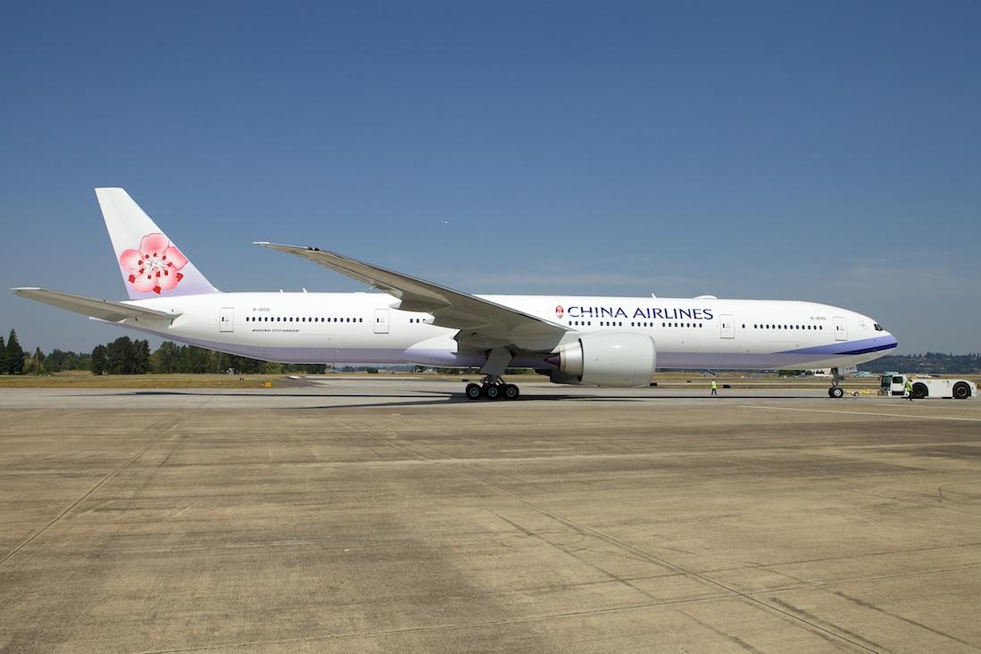 A China Airlines az első Boeing 777-300ER gépét október 3-án vette át, közvetlenül az amerikai repülőgépgyártól. (Fotó: Boeing Company)   © AIRportal.hu