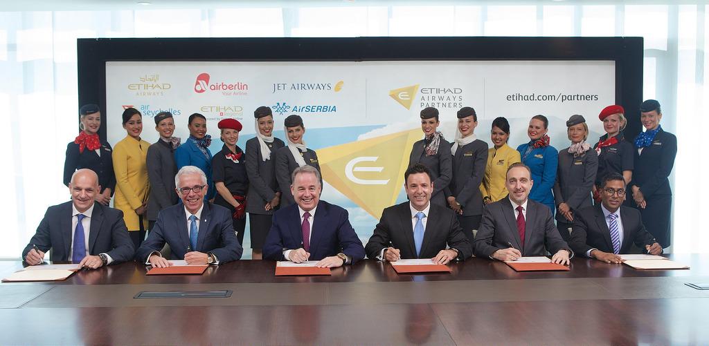 A légitársaságok vezetői Abu Dhabiban írták alá az együttműködési szerződést.(Fotó: Etihad Airways) | © AIRportal.hu