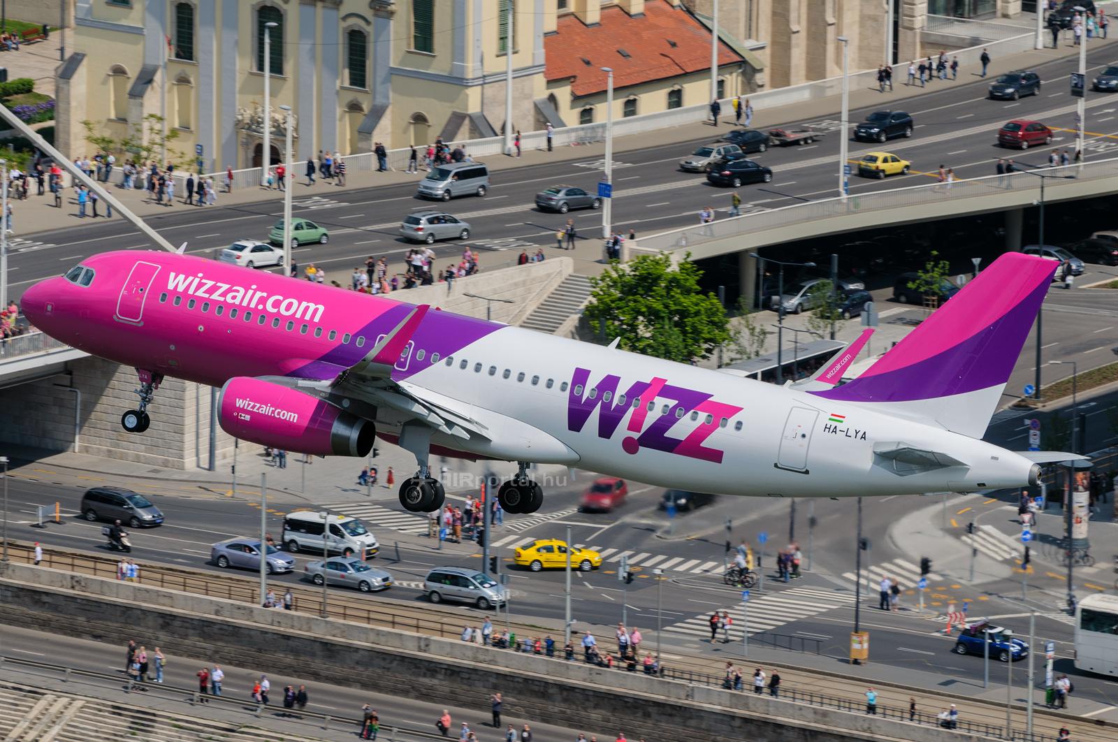 A hírek szerint ismét repülhet a Wizz Air Azerbajdzsánba, a kérdés csupán az, hogy mikortól. Vajon mellettük várható-e még az Azerbaijan Airlines budapesti megjelenése is? (Fotó: Kovács Gábor - AIRportal.hu) | © AIRportal.hu