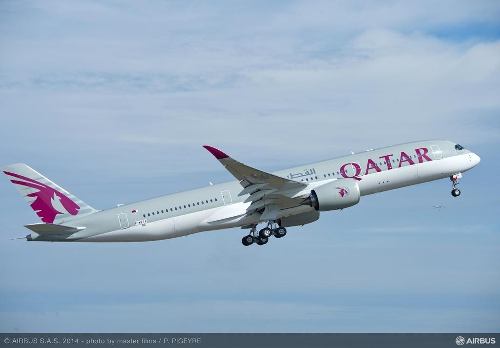 Az első sorozatgyártott A350-900XWB október 15-én teljesítette szűzrepülését. A gép A7-ALA katari lajstromban kerül majd üzemeltetőjéhez. (Fotó: Airbus) | © AIRportal.hu