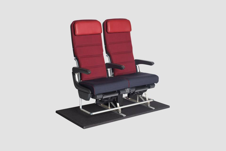A turistaosztály a funkcionalitás és az elnyűhetetlenség jegyében újul meg. (Forrás: Qantas) | © AIRportal.hu