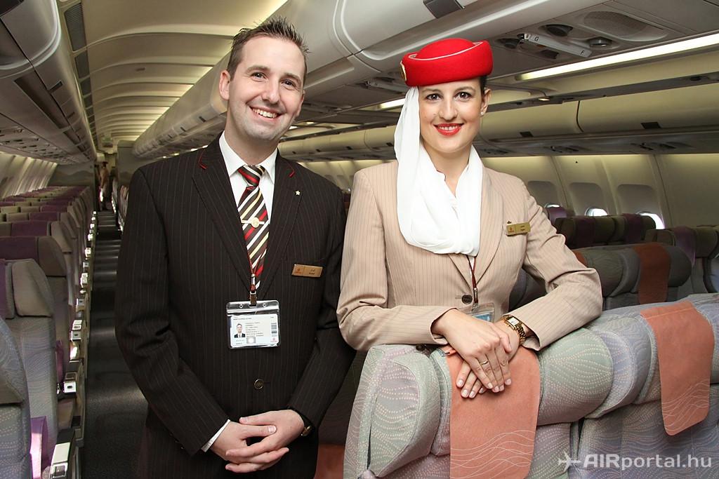 Czékmán Ágnes és Németh Kornél Edvárd légiutas-kísérők az A330-200-as turista osztályán álltak kameránk elé.(Fotó: Csemniczky Kristóf - AIRportal.hu) | © AIRportal.hu