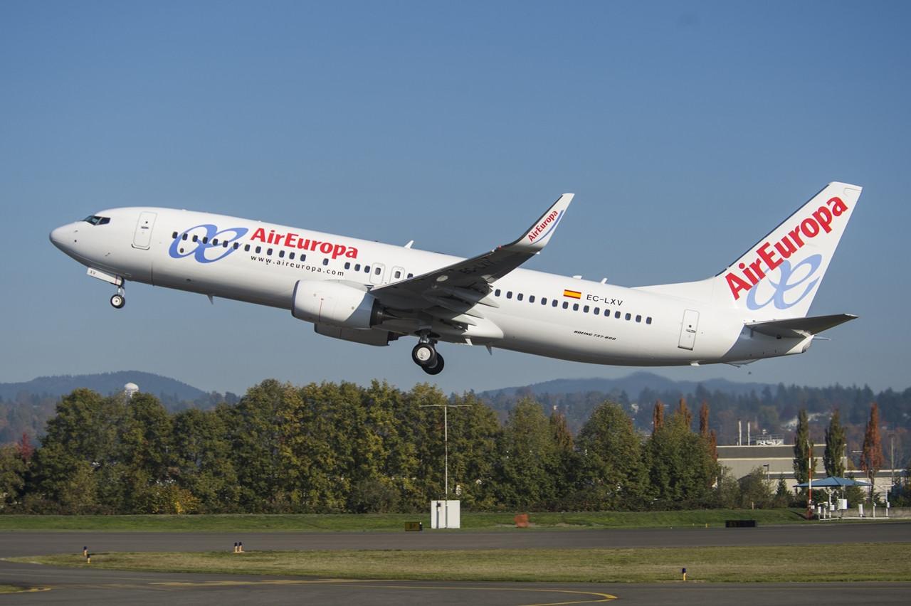 A harmadik legnagyobb spanyol légitársaság, az Air Europa szíve mindig is inkább a Boeing felé húzott, de azért náluk is van Airbus a flottában. A képen a 25. közvetlenül a gyártótól származó Next Generation Boeing 737-es Air Europa gép látható. (Fotó: Boeing Company) | © AIRportal.hu