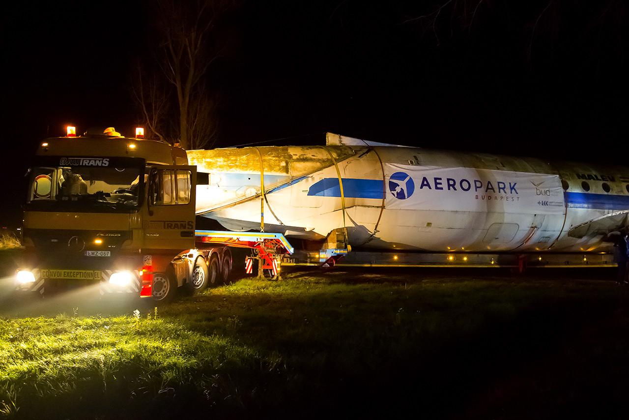 A törzs szállítását a BauTrans végezte. (Fotó: LKK) | © AIRportal.hu