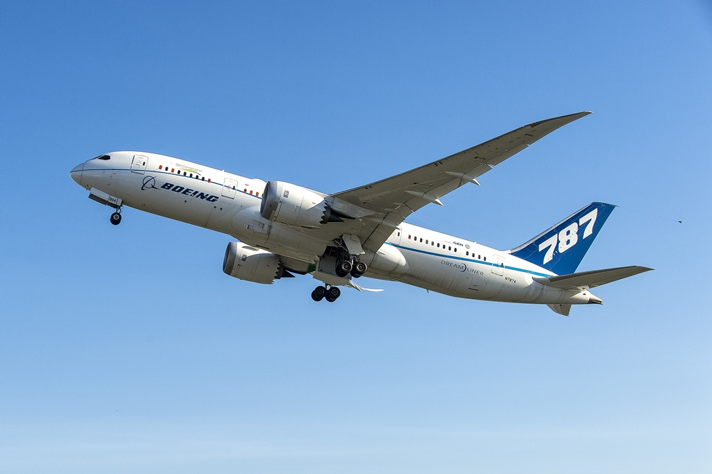 Felszállás közben az ecoDemonstrator programban szereplő ZA004 gyári számú Boeing 787-8 prototípus. (Fotó: Boeing Company)   © AIRportal.hu