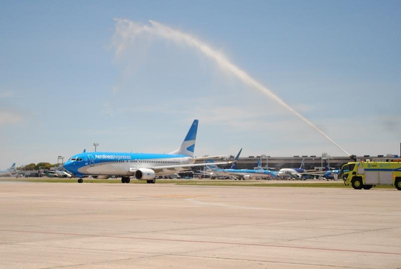 A vízsugaras köszöntés. (Fotó: Aerolíneas Argentinas) | © AIRportal.hu