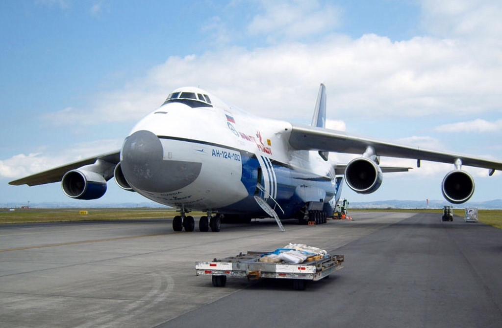 Talán a legszebb festésű Ruszlánoktól búcsúzik a repülős társadalom. A Polet flottájában teljesített szolgálatot a RA-82080 lajstromú példány is, mely az utolsó legyártott An-124-es. (Fotó: Polet) | © AIRportal.hu