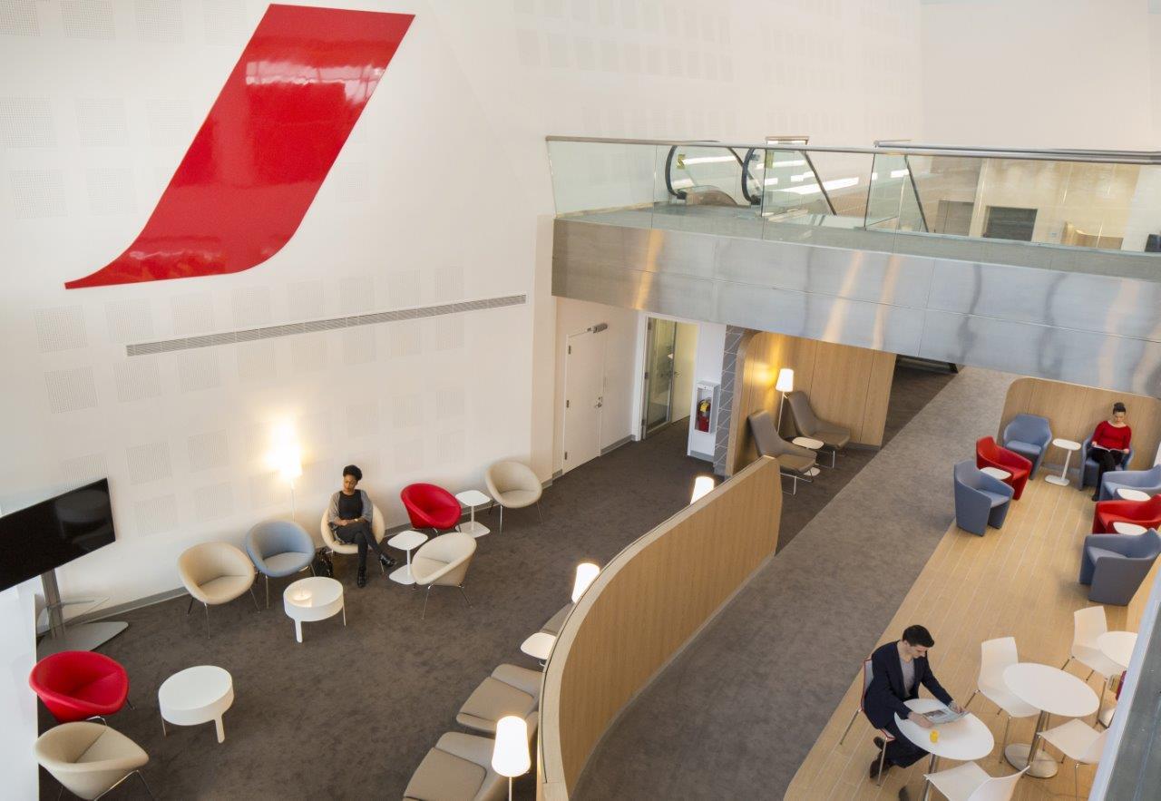 A teljes körű Wi-Fi hozzáféréssel bárhol lehet internetezni. (Fotó: Air France) | © AIRportal.hu