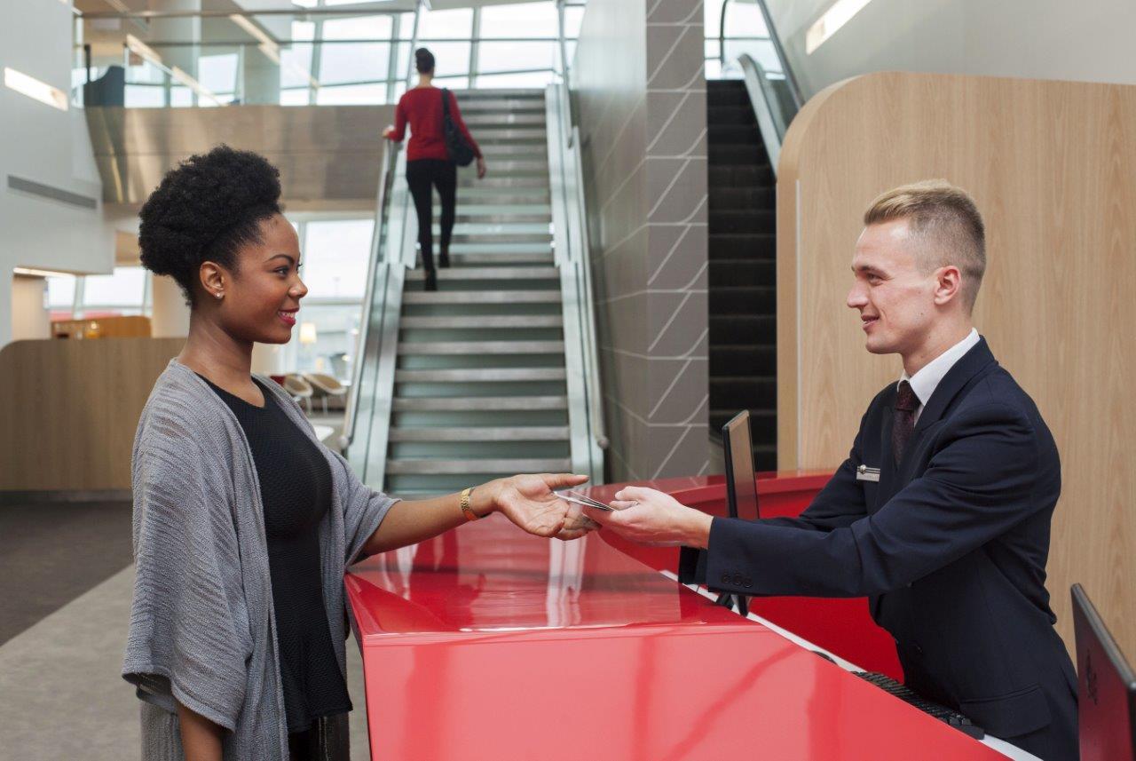 Az első osztályon személyre szabott üdvözlés jár az utasoknak. (Fotó: Air France) | © AIRportal.hu