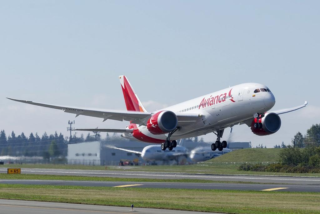 Felszállás a Boeing gyárból. Irány Bogotá. (Fotó: Boeing Company) | © AIRportal.hu
