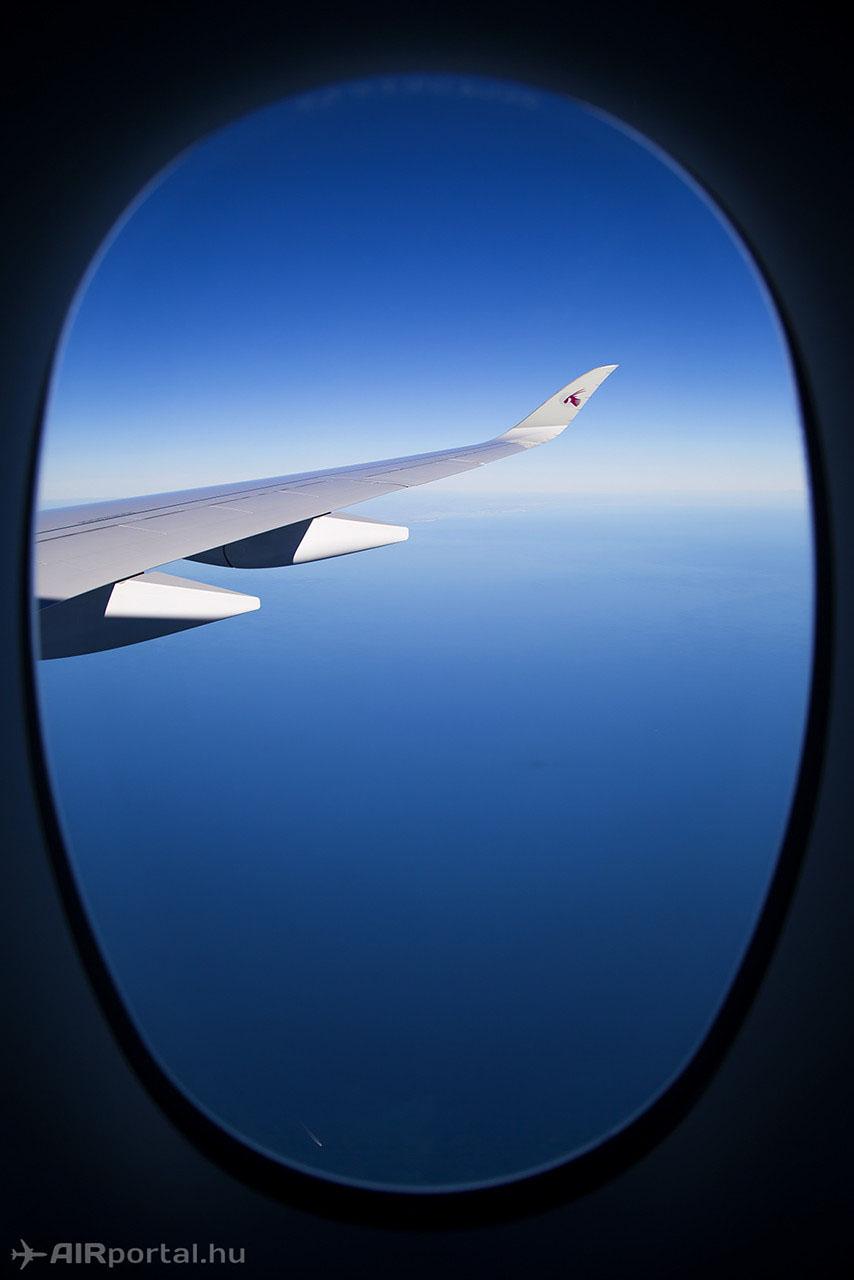 A jellegzetes szárnyvég és a nagyméretű ablak. (Fotó: AIRportal.hu)   © AIRportal.hu
