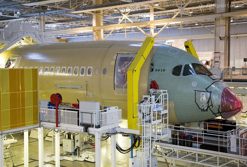 Az MSN019, leendő Finnair A350 XWB a végszerelő soron...   © AIRportal.hu
