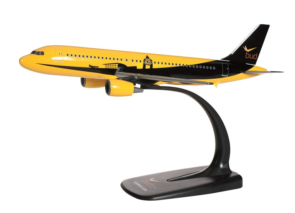 A Budapest Airport Airbus A320-as repülőgépmodellje. (Fotó: Herpa Miniaturmodelle GmbH)   © AIRportal.hu