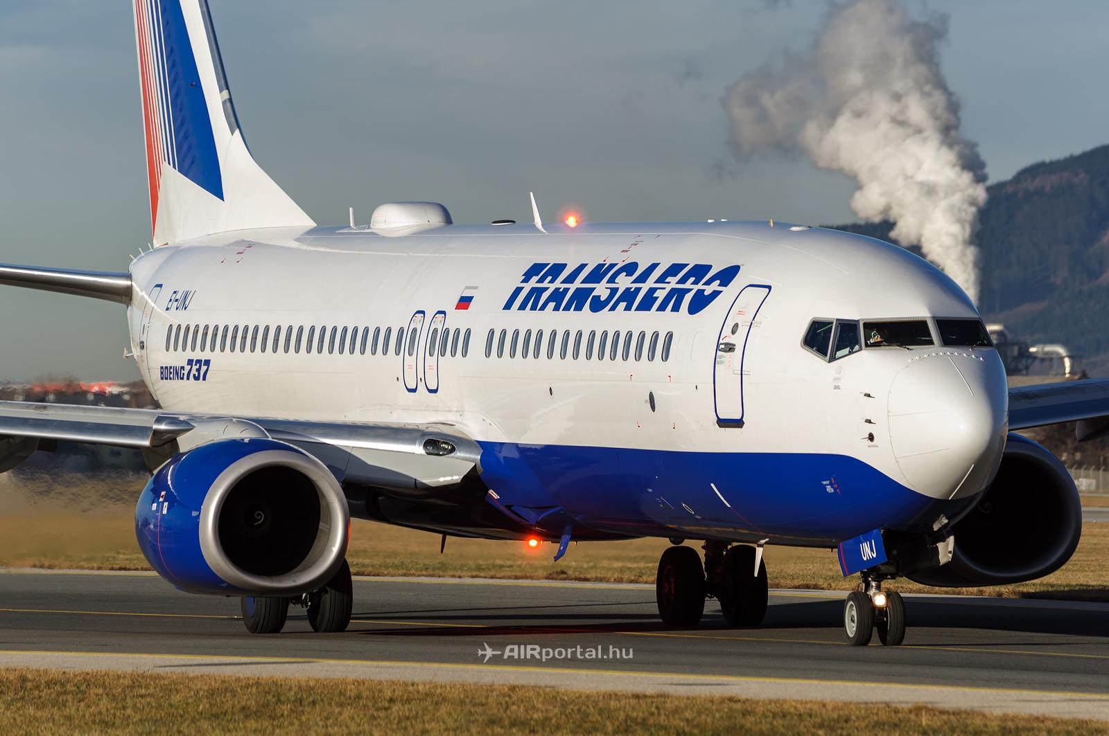 A Transaero egyik Boeing 737-800-as gépe.Egyre több orosz légitársaság kénytelen visszaadni a modernebb, magas lízingdíjakkal rendelkező gépeit, és helyette a régebbi típusokat használni. (Fotó: Kovács Gábor - AIRportal.hu)   © AIRportal.hu