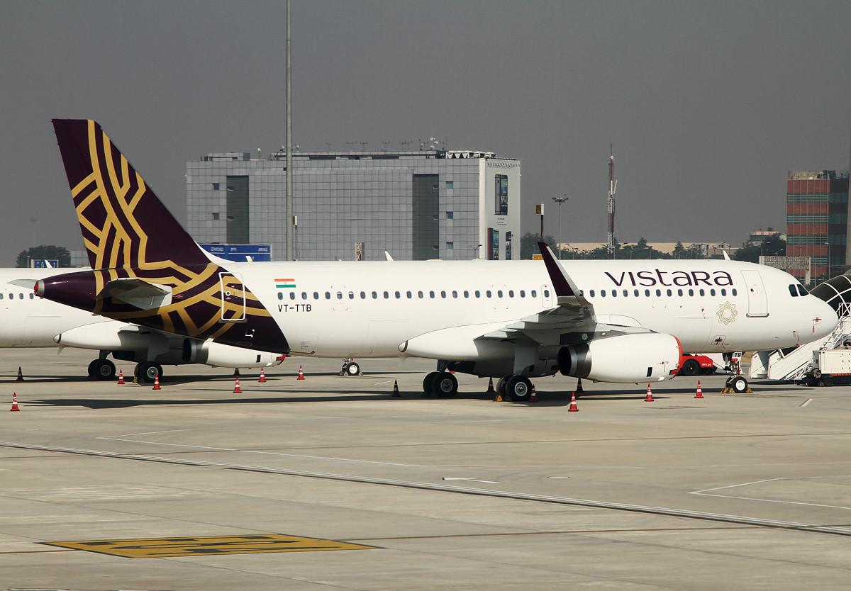 A Vistara Airbus A320-as repülőgépe Delhi repülőterén az indulást megelőző hetekben. (Fotó: Vékony Tamás)   © AIRportal.hu