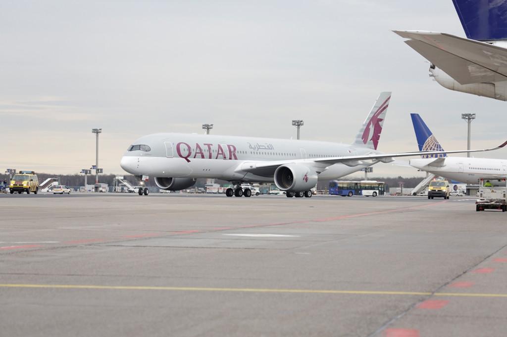 A világ első A350-es menetrendszerű járata délután 12:30-kor érkezett meg Dohából Frankfurtba. (Fotó: Frankfurt Airport)   © AIRportal.hu