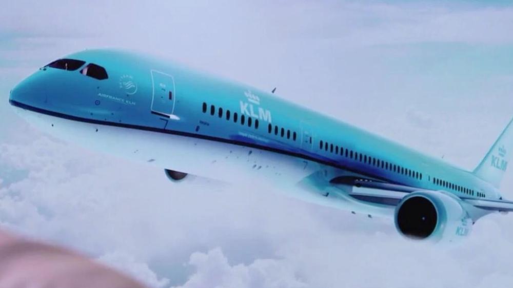 Az új típusokhoz igazított KLM festésmintával ábrázolt Boeing 787-9-es. (Forrás: KLM prezentáció fotó)   © AIRportal.hu